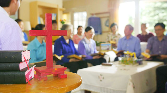 Le cinquième jour, des formes variées et diverses de vie démontrent l'autorité du Créateur de différentes manières
