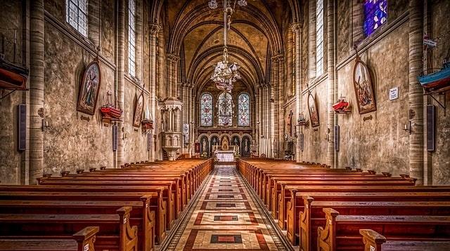 La foi chrétienne : Qui dit croyance ne dit pas vraie foi en Dieu