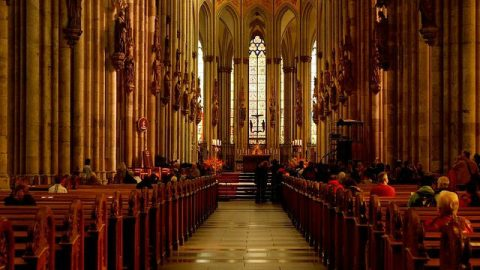 Les chrétiens ne doivent pas négliger d'assister aux assemblées