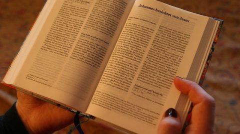 lire la Bible
