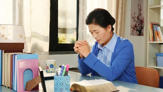 Sur le chemin du royaume des cieux, la parole de Dieu me guide afin de surmonter les tentations de Satan